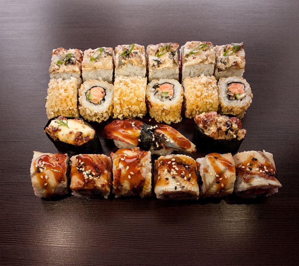смонтировал виды суши и роллов фото фото певицы